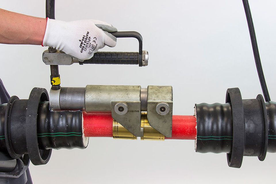 Secure Service Pipe Joints